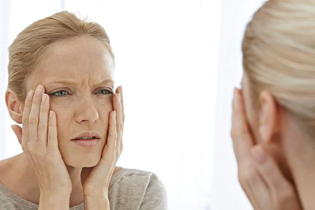 Khói bụi là một trong những yếu tố làm cho làn da lão hóa nhanh chóng