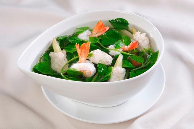 Canh mồng tơi nấu với tôm là một trong những món ăn giải nhiệt mùa hè cực tốt