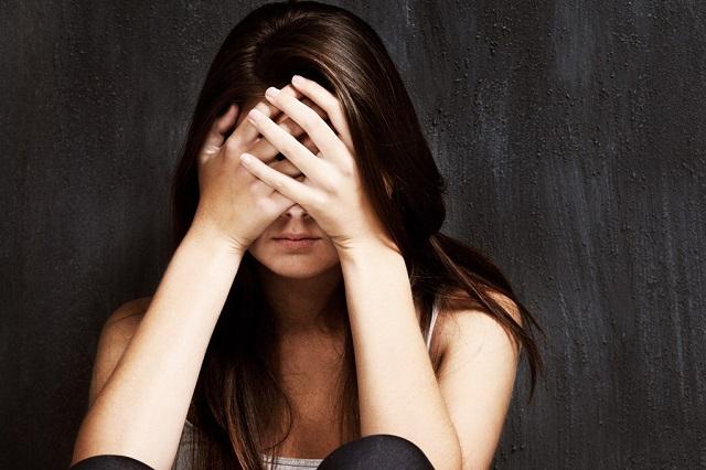 Phụ nữ khi mắc chứng trầm cảm thường luôn cảm thấy buồn và trở nên nhạy cảm hơn